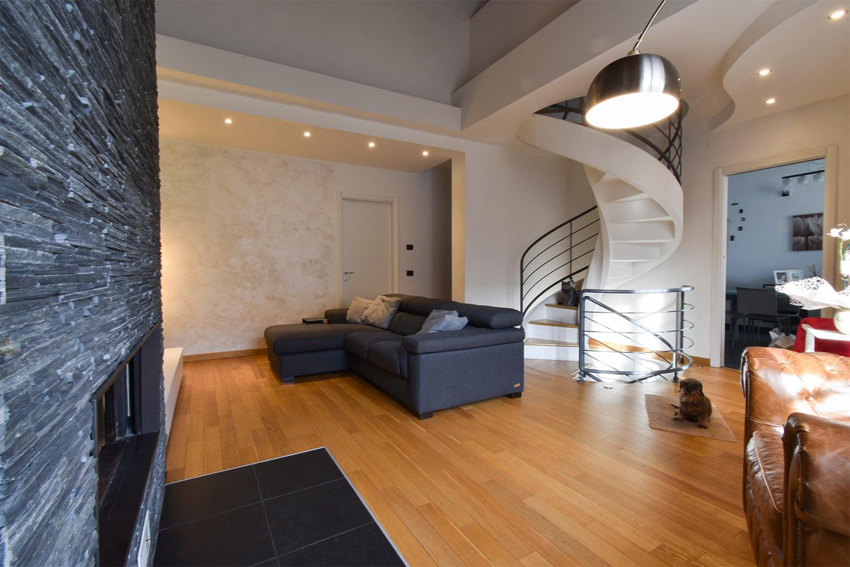 casa privata milano progetto interni colore verde soggiorno (4)