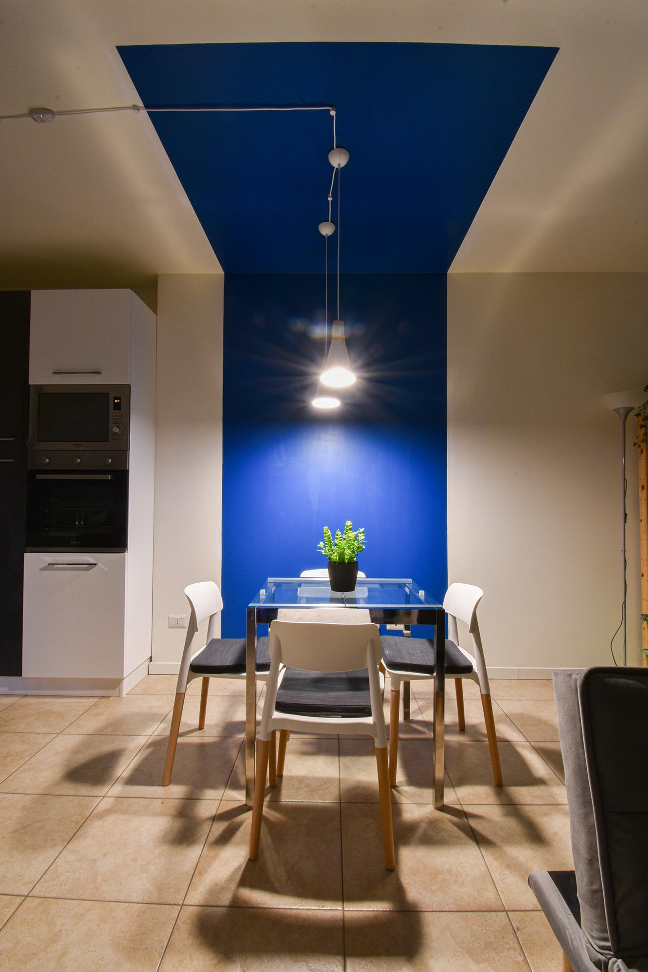 casa Milano interior design colore soggiorno cucina (6)